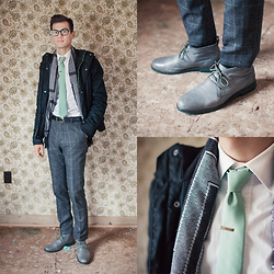 Chris Nicholas - Pocket Square Clothing The Truman, Versace Scarf, Cole Haan Gray Leather Chukkas - 104