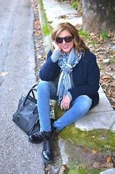 Nina Papaioannou TRENDSURVIVOR - Prada Military Boots, Isabel Marant Oversized Jacket, Moon Cats Scarf Leopard Blue - Casual Blues