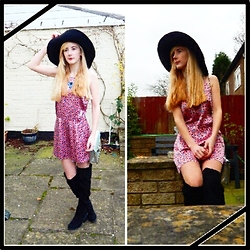 Isobel Thomas - New Look Over The Knee Boots, Primark Retro Playsuit, Primark Floppy Hat - 70's Vibes
