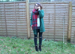 Jessica Sheppard - Fashion Union Pea Green Coat, Primark Tartan Scarf, Primark Sweatshirt, New Look Ripped Knee Jeans, Carvela By Kurt Geiger Sombrero Boots - PEA GREEN.