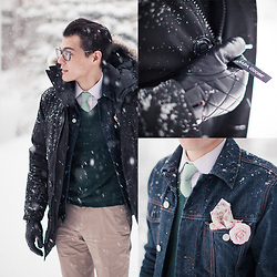 Chris Nicholas - Pocket Square Clothing The Madeline, Pocket Square Clothing The Truman, August Brand Quilted Gloves, Gap Denim Jacket, Canada Goose Parka, Topman Stone Trousers - 106
