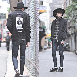 IVAN Chang - Wrongpeople Jacket, Tastemaker 達新美 Shirt, Tastemaker 達新美 Hat, Dr. Martens Shoes - 110115 TODAY STYLE