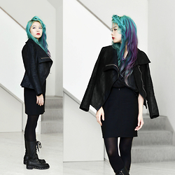 Junko Suzuki - Dkny Moto Boots, H&M Riders Jacket, Manic Panic Color Hair - 120115