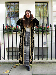 Jess A - Vintage Embroidered Velvet Coat, New Look Chelsea Boots, Primark Maxi Skirt, H&M Fluffy Jumper - Bloomsbury