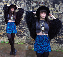 Rachael Dobbins ♡ - Asos Ka Ching Over The Knee Boots, Usc Crop Top, Usc Blue Tapestry Skirt - Big bird