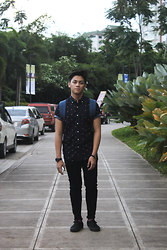 Jeffrey Mondia - Richer Poorer Socks, Vans Sneakers, Tomato Time Ph Watch, Salvatore Mann Rucksack Bag, Jag Jeans Skinny, Rastaclat Bracelet, Aeropostale Short Sleeve Button Down - Red Stripes
