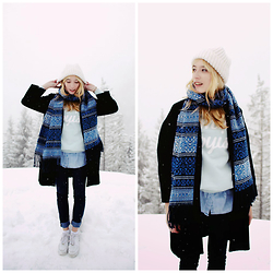 Typhaine - Vintage Hat, Urban Outfitters Scarf, Monoprix Coat, Stradivarius Jeans, Nike Shoes - ☃ WHITE SKY ☃