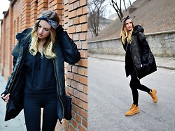 Kasia Z. - Max Mara Jacket, Timberland Shoes, Choies Sweatshirt - MORO DOWN JACKET