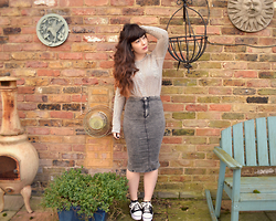 Carmen Ri - Zara Striped Top, River Island Grey Acid Wash Jean Skirt, Yesstyle Platform Sneakers - Park Street Dive