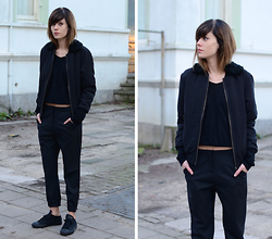 Lucy De B. - Fur Collar Bomber Jacket - Life in black