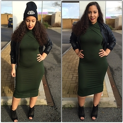 Andrea Da Silva - Asos Khaki Dress, Marc By Jacobs Mj Beanie, Zara Cut Out Heels, Ganni Bomber Jacket - Khaki Dress!