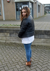 Anna Kotch - Arma Jacket, Anna Van Toor Vest, Zara Jeans, Mcgregor Boots - The Dutch Casualty