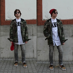 Carlos J - Pull & Bear Cardigan, Pull & Bear Shirt, Spf Beanie, Pull & Bear Jeans, Vans Shoes - AIN'T IT FUN.