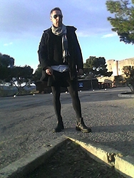 Llorenç M. - Burberry Jacked, Calzedonia Leopard Tights, H&M Shorts, C&A Boots - Leopard & green
