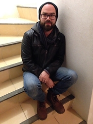 Erick Balandran Beaven - Guess? Jacket, Levi's® 511, Burberry Eyewear - Still cold in here