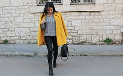 Ilirijana Hajdarević - H&M Bag - Vintage yellow coat