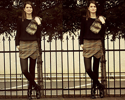 Ligia ▲ - Zara Skirt, Stradivarius Sweater - Iron sky