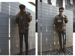 Jason Nava - Cat Boots, H&M Jeans, Dkny Button Up Shirt, No Tag Jacket, Ray Ban Glasses - LONDON STREETS ||