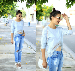 Glena Martins - Oasap Top Cropped, Youcom Jeans Destroyed, My Shoes Itu Sandals, Zerouv Sunnies - Gray