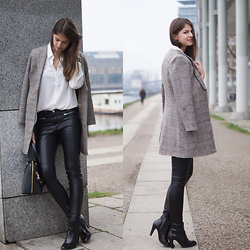Jacky -  - Fashion Week Berlin  - Leather Pants and Checked Coat
