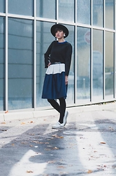 Lara Bernot - Larabernot Skirt - Simple