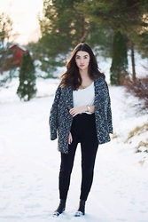 Mirella T. - H&M Coat, H&M Top, Vagabond Boots, Lindex Pants - When I dance alone,and the sun's beating down,Blame it on me