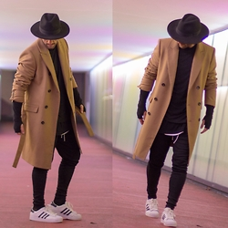 Kosta Williams - Zara Camel Coat, H&M Fedora, Favela Clothin Thermal Jogger, Adidas Supersta Ii - Remember the name #kostawilliams