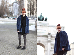 Kaj Lydia - Vintage Fake Fur Coat, Underground Black Creepers - Fake Fur