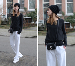 Lucy De B. - White Trousers - Sunday Slouch