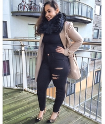 Andrea Da Silva - Asos Ripped Jeans, Asos Faux Fur Tube Scarf, Asos Camel Coat, Missguided Turtle Neck Crop, Dune London Leopard Heels - Camel coat and Leopard heels...