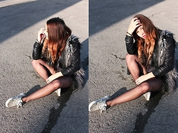 Miriam and Jeanette Roith - H&M Fake Fur West, Vans Wasted Slippers, Zara Fake Leather Jacket - SUNKISSED
