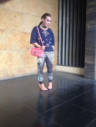 Dong Olmedo - H&M Sweater, Zara Joggers, Zara Handbag, River Island Pumps, Zara Necklace - Favorites and then some....