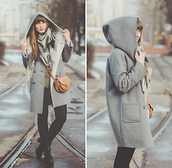 Maddy C - La Redoute Coat, La Redoute Bag - In love with grey.
