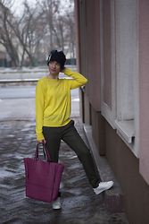 NATALIA MICHAŁOWICZ - Cos Sweater, Zara Trousers, H&M Sneakers - Yellow Mood