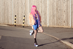 Kayla Hadlington - Yru Shoes - ALL THE FLUFF