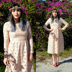 Skye V - H&M Pink Lace Dress, Charlotte Olympia Marilyn Heels - Love is in The Air