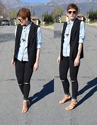 Bethany R. - Chambray Shirt, American Eagle Outfitters Jeggings - Work Week
