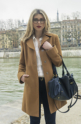 Anoé - United Colors Of Benetton Coat, Bocage Bag, Lacoste Shoes - HELLO THERE