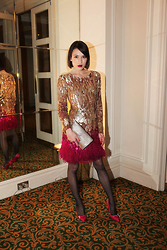 Ella Catliff - Matthew Williamson Dress, Mulberry Clutch & Shoes - Feathered Friends