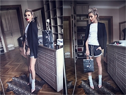 Alina Ceuşan - H&M Shorts, H&M Grey Socks, Why Denis Nude Heels - WIN A MOSCHINO BAG