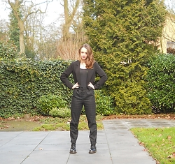 Iris K - New Yorker Black Blazer, Pull & Bear Pants - Suit up!