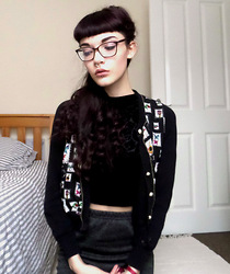 Izzy Humphreys - New Look Velvet High Neck Crop Top, Prettylittlething Grey Knit Midi Skirt, Yumi Pattern Cardigan - And there's no remedy for memory
