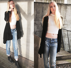 Martine Fimland - Bik Bok Boyfriend Jeans, Zara Cardigan, Dna Shoes Boots - Baby was the devil