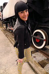 Vesna Cvetka - Zara Jacket, Zara Pointed Sandals, Zara Pants - Sometimes the wrong train can take us to the right place