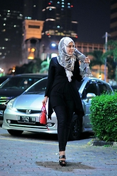 Noni Zakiah H. -  - CHILLIN' NIGHT OUT :)