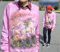 Bethany R. - Unicorn Sweatshirt, American Eagle Outfitters Skinny Jeans - Mythical Creature