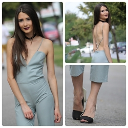 Sofija Surdilovic - My Creation Light Gray Jumpsuit, Zara Black And White Heels, My Handmade Evil Queen Necklace - Gray or grey? My jumpsuit!