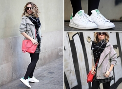 Mónica Sors - Fashion Pills Jacket, Adidas Sneakers - S T A N