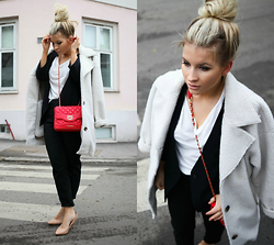 Heidi - Moschino Love, Urban Teddy Coat, H&M Pumps - Red & Ted