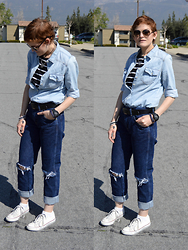 Bethany R. - Converse, Mom Jeans, Chambray Shirt - Of Mice and Denim